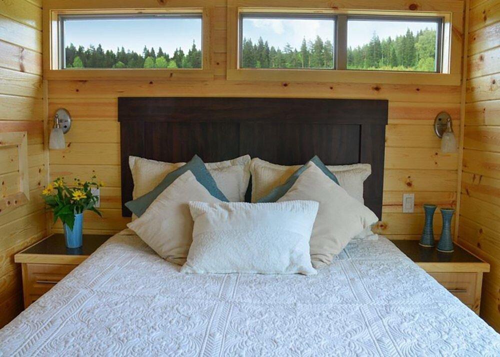 whisper-cabin-whispering-springs-ontario-canada-bedroom-humble-homes-jpg