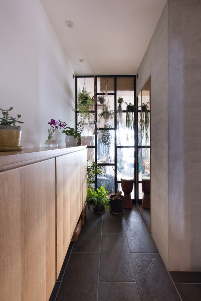 Nionohama Apartment House Renovation - ALTS Design Office - Japan - Hallway - Humble Homes