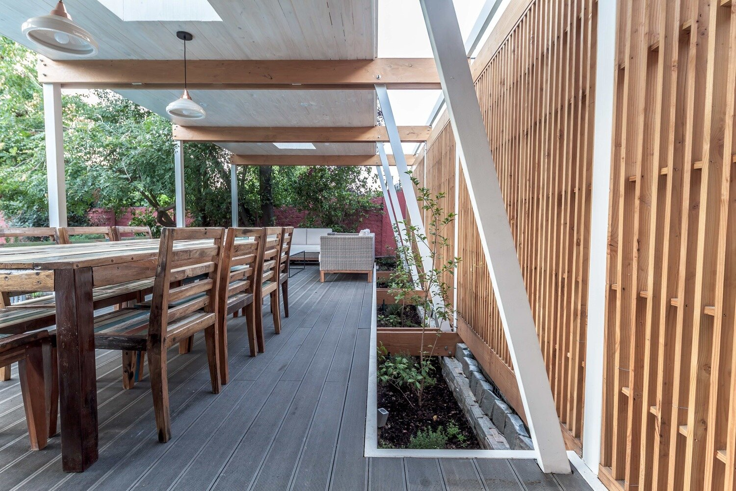 Pergola Pavilion - PAR Arquitectos - Chile - Dining Area - Humble Homes