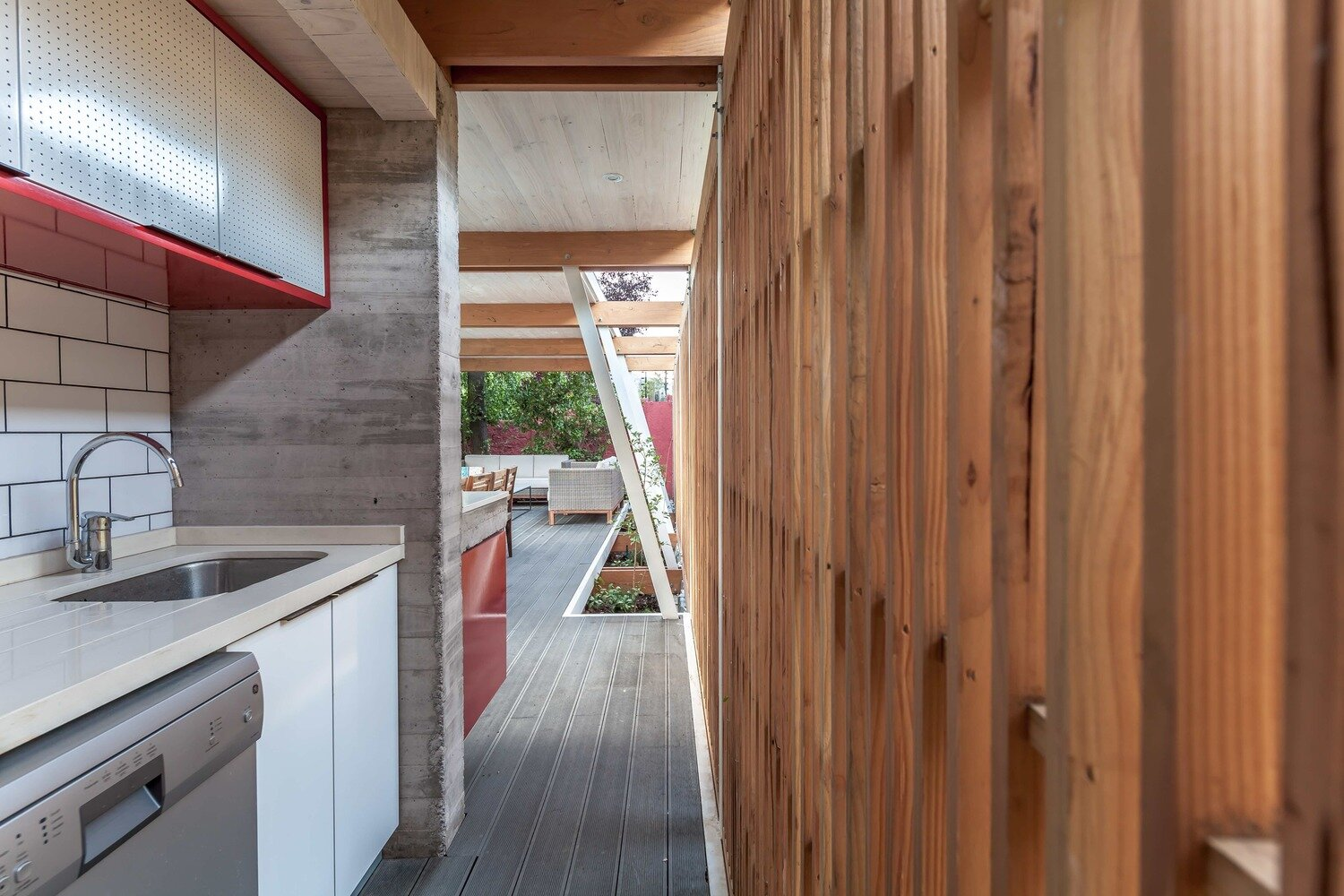 Pergola Pavilion - PAR Arquitectos - Chile - Kitchen - Humble Homes
