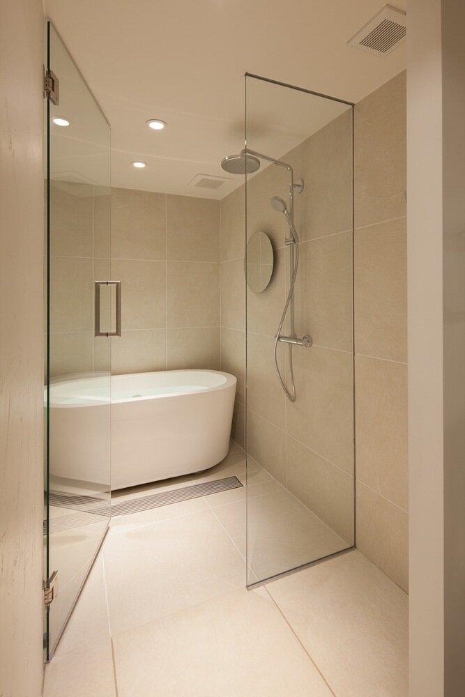Shibuya Apartment 201 - Hiroyuki Ogawa Architects - Japan - Bathroom - Humble Homes