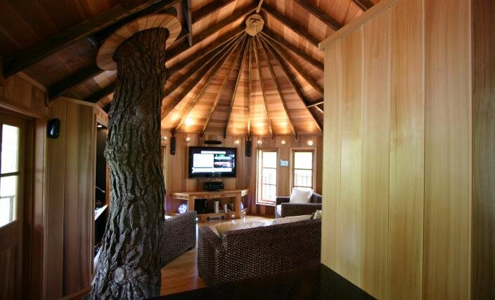 High Tech Hideaway - Blue Forest - Treehouse Retreat - Interior 2 - Humble Homes