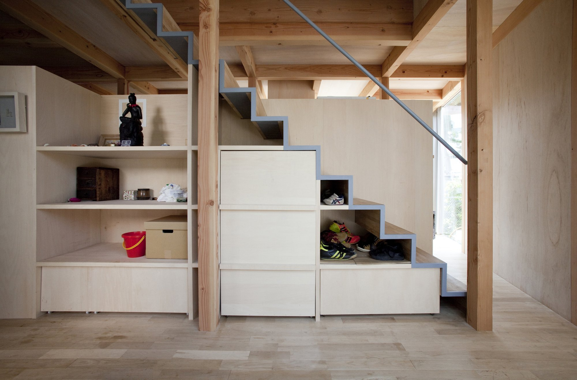 Double Circular Rings - Todoroki - Teppei Fujiwara Architects Labo - Small House Japan - Stairs and Storage - Humble Homes