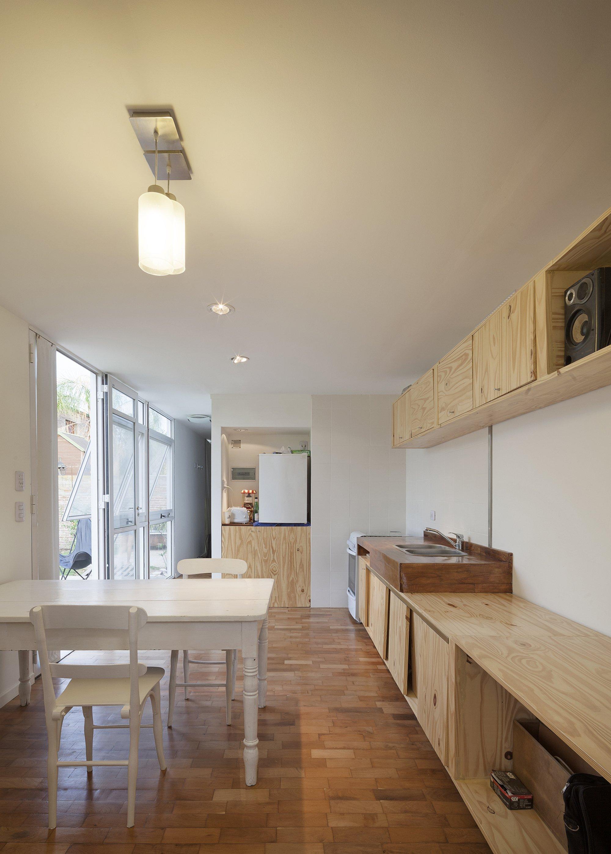 Mía House - Matias Pons Estel - Argentina - Small House - Interior Kitchen - Humble Homes
