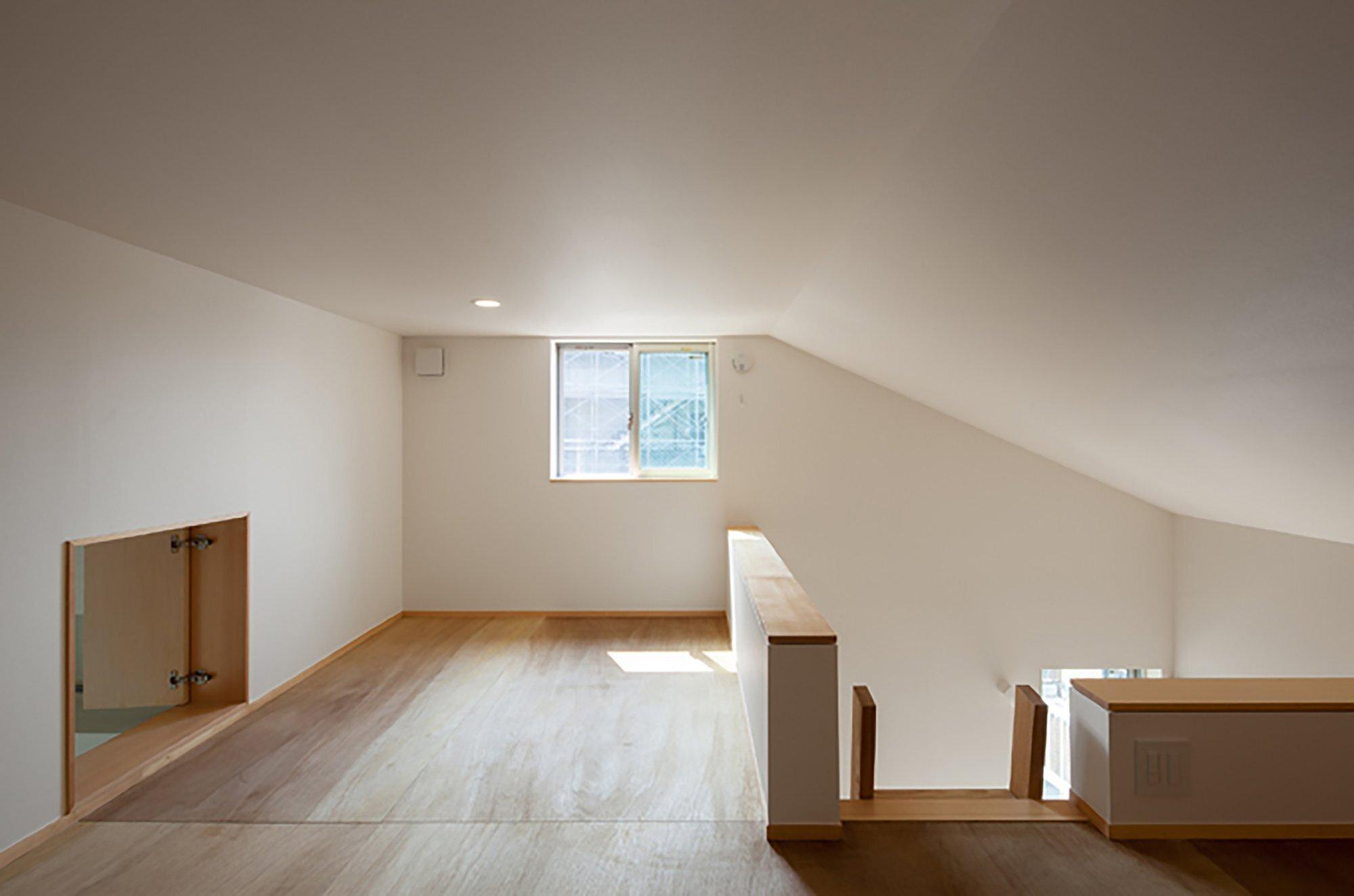 Nakano Fireproof Wooden House - Masashi Ogihara - Nakano, Japan - Small Japanese House - Loft - Humble Homes