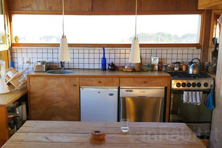 Rosario Talevi - Abierta Uruguay - Summerhouse - Selfbuild - Kitchen - Humble Homes