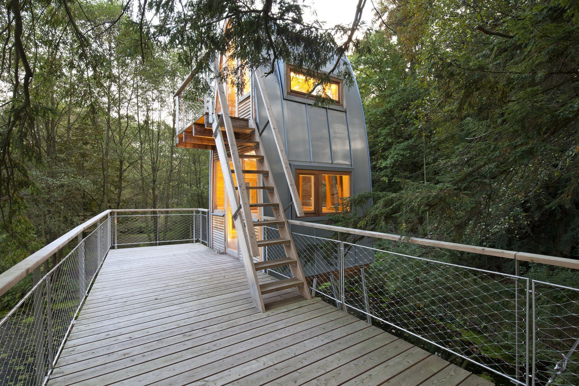 Treehouse Solling by Baumraum - Uslar Germany - Treehouse - Decking - Humble Homes