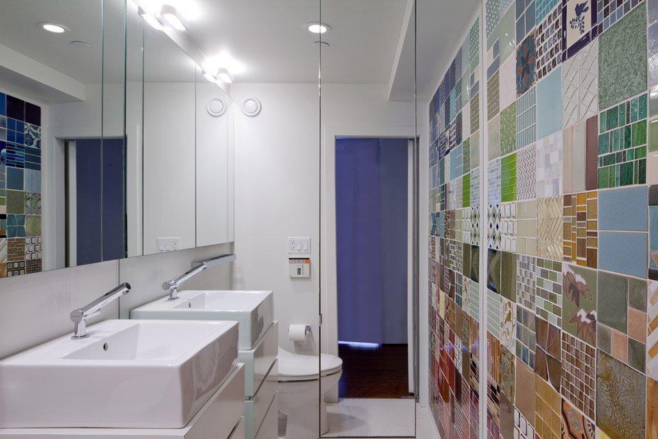 https://humble-homes.com/wp-content/uploads/2014/06/NYC-Loft-Studio-Tiny-Apartment-Split-Level-Renovation-Turett-Collaborative-Architects-Bathroom-Humble-Homes.jpg