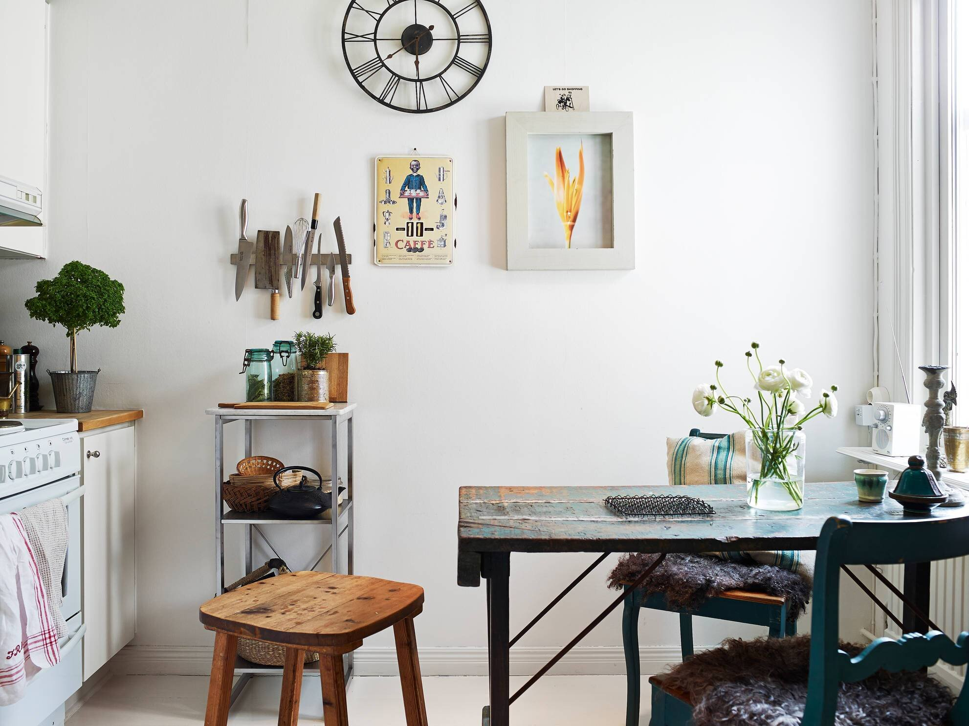 Small Apartment - Goteburg - Sweden - Stadhem - Kitchen and Dining - Humble Homes