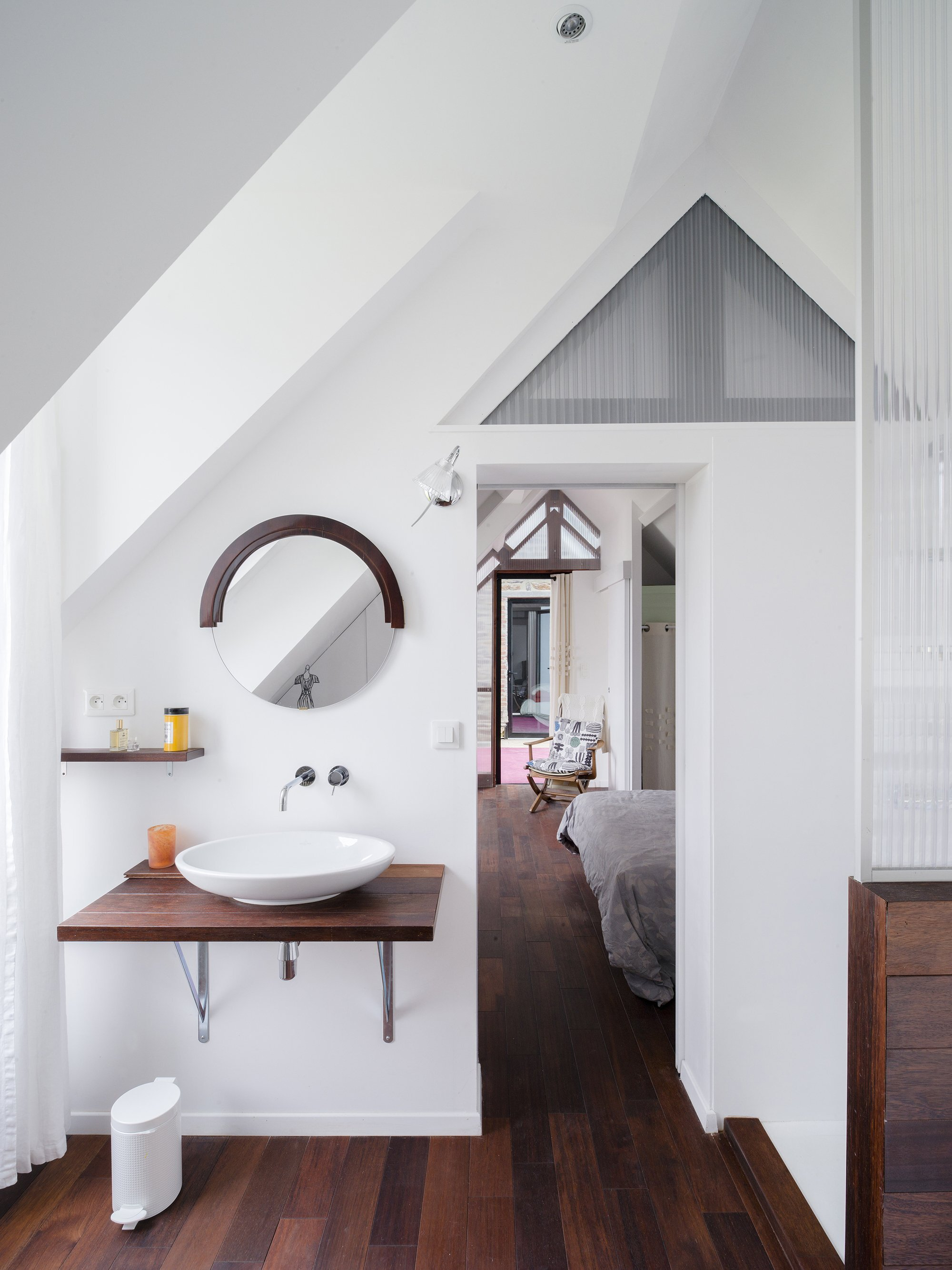 The House Between - Clément Bacle Architect - France - Rennes - Bedroom - Humble Homes