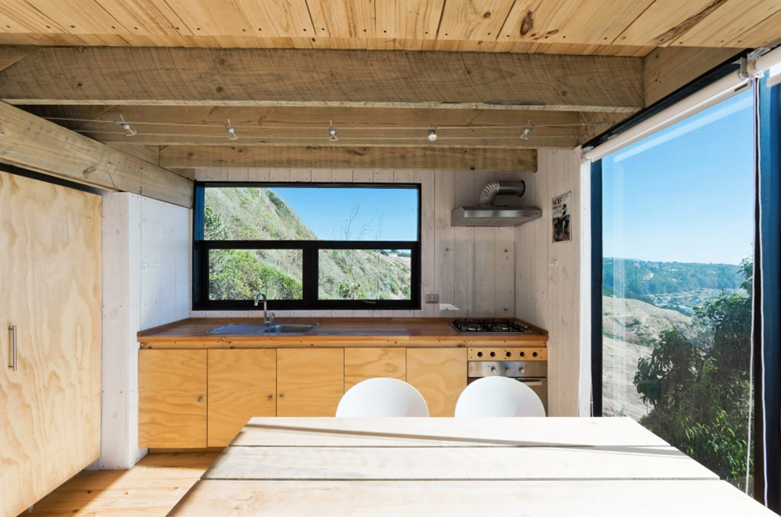 2 Hermanos Cabin - Small Cabin - WMR Arquitectos - Chile - Kitchen - Humble Homes