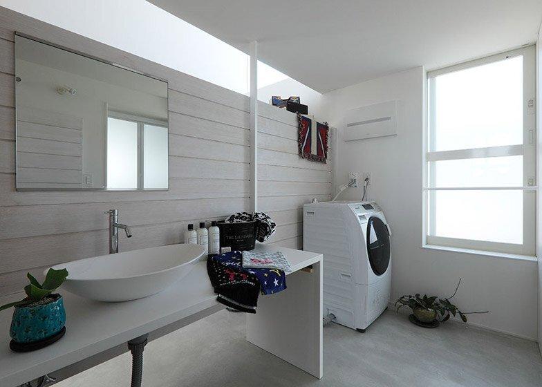 Higashihayashiguchi - Shop & Apartment - ALTS Design Office - Bathroom - Humble Homes