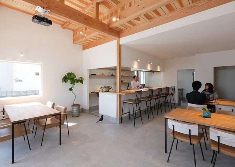 Higashihayashiguchi - Shop & Apartment - ALTS Design Office - Shop Floor - Humble Homes
