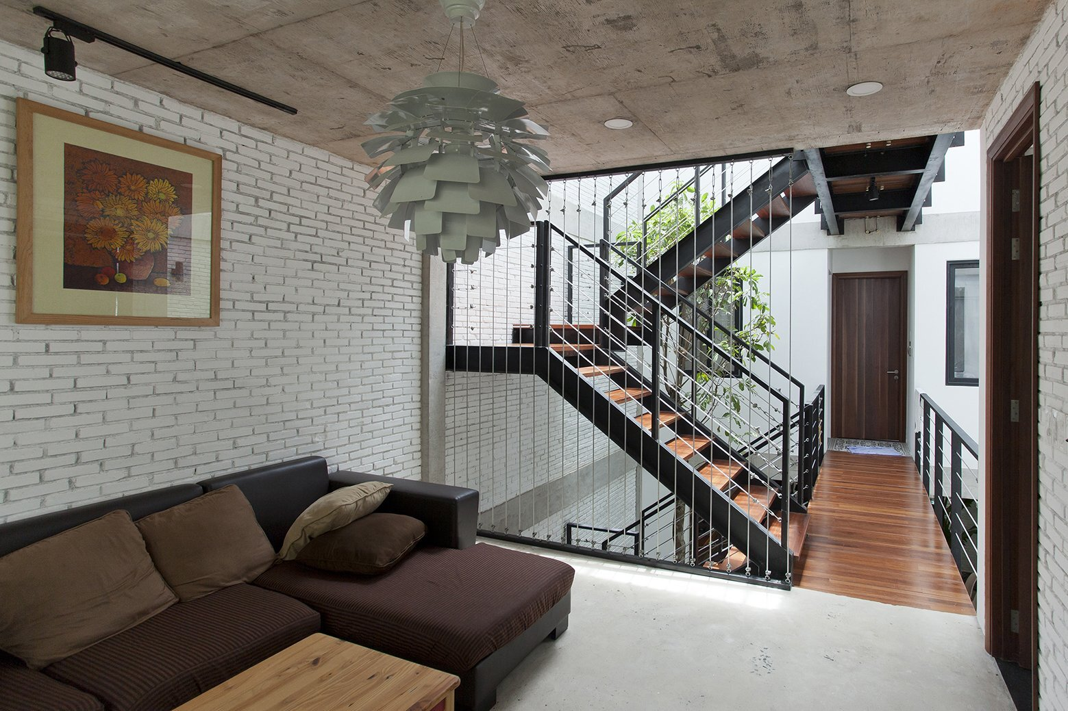 An Inward-Looking Family House in Vietnam