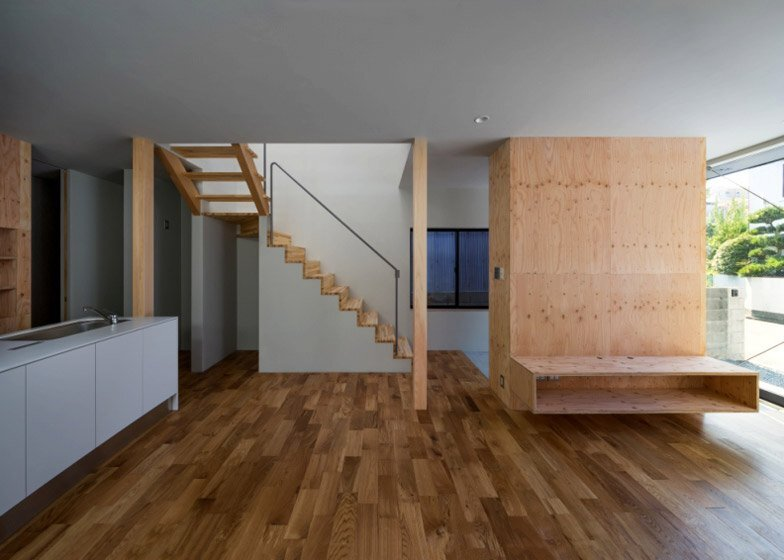 FKH - Japanese House - Shintaro Fukuhara - Kobe - Staircase - Humble Homes