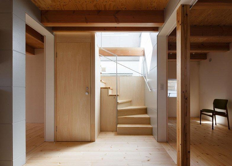 HouseAA - Small House - Moca Architects - Nara City - Hallway - Humble Homes