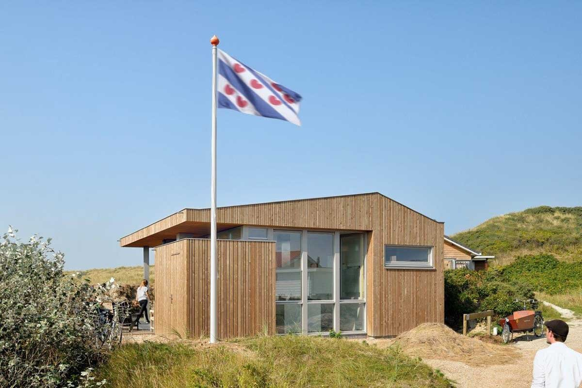 Small Holiday Home - Bloem and Lemstra Architects - The Netherlands - Exterior Back - Humble Homes