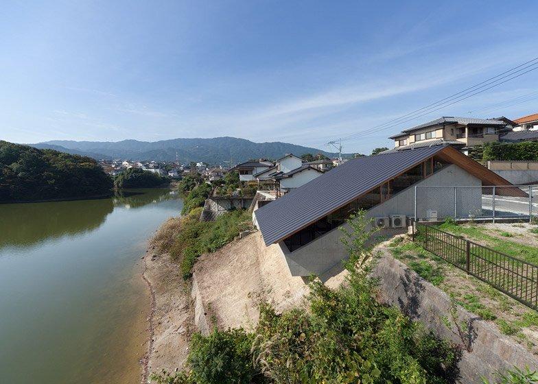 House in Hibaru - Suppose Design Office - Fukuoka Japan - Exterior - Humble Homes