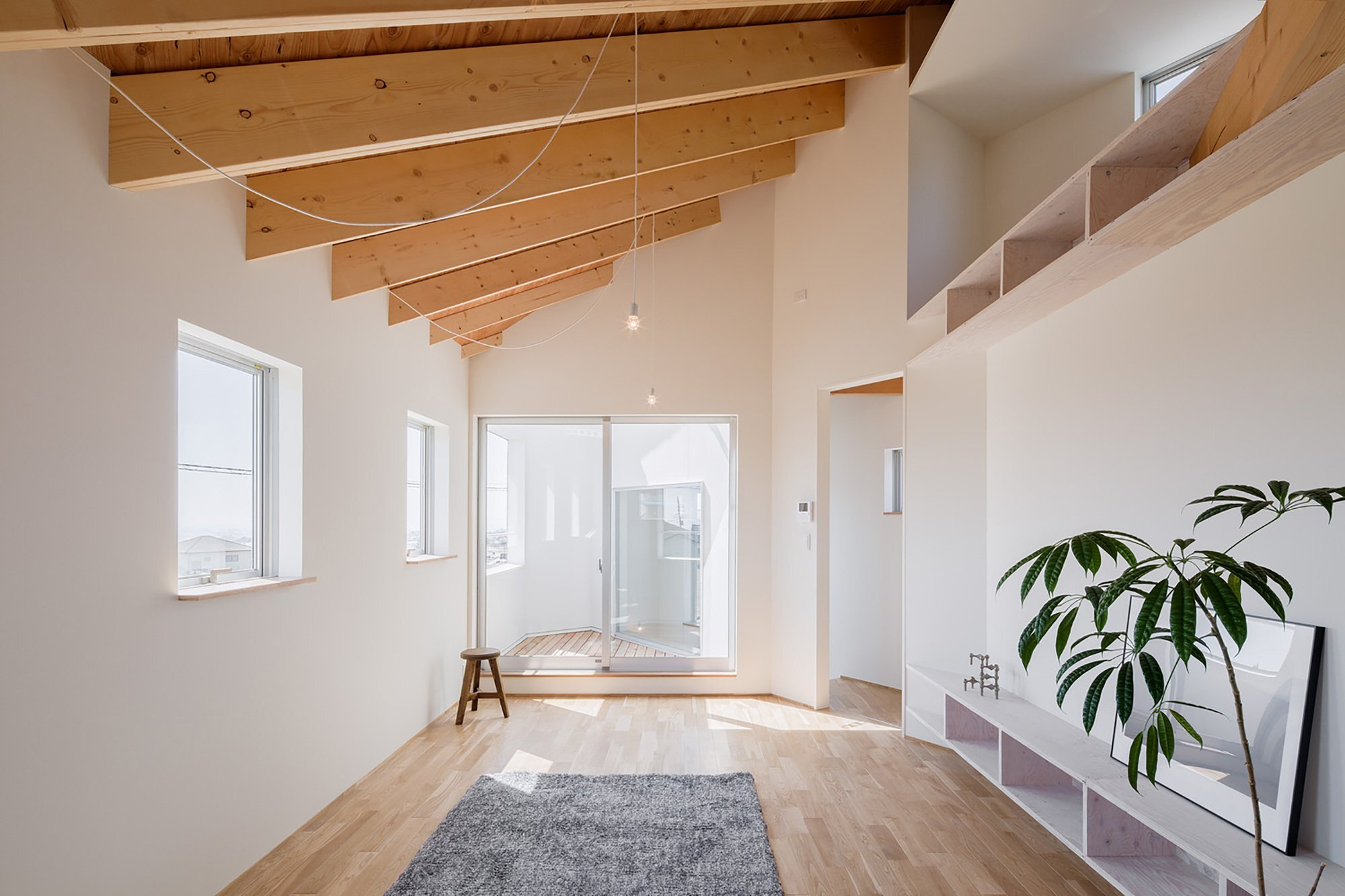 House in Shintou - Japanese House - SNARK + OUVI - Living Room - Humble Homes