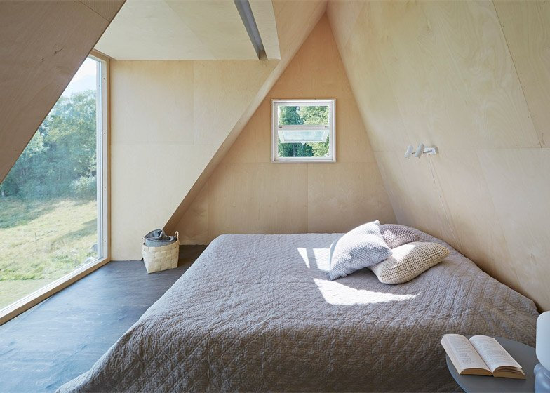 Small House - Summer House - Leo Qvarsebo - Sweden - Bedroom - Humble Homes
