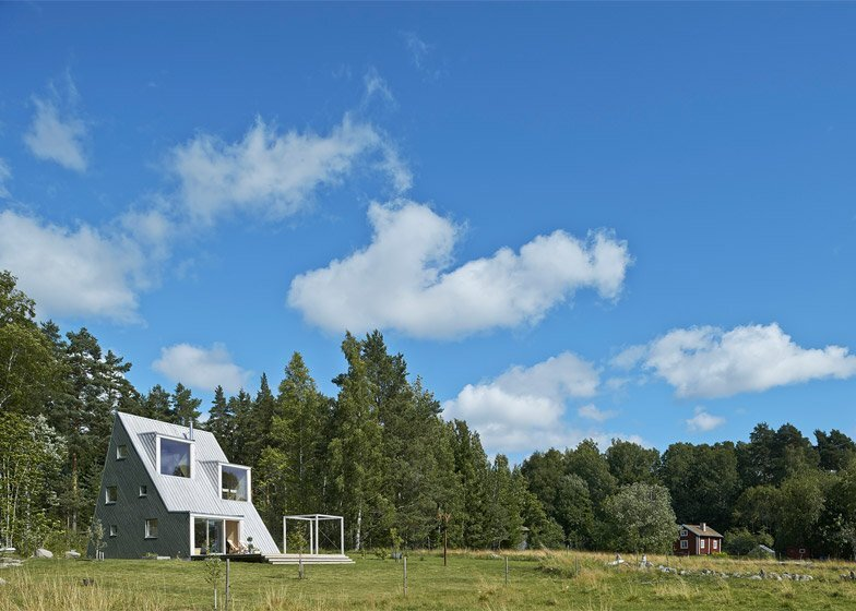 Small House - Summer House - Leo Qvarsebo - Sweden - Exterior - Humble Homes