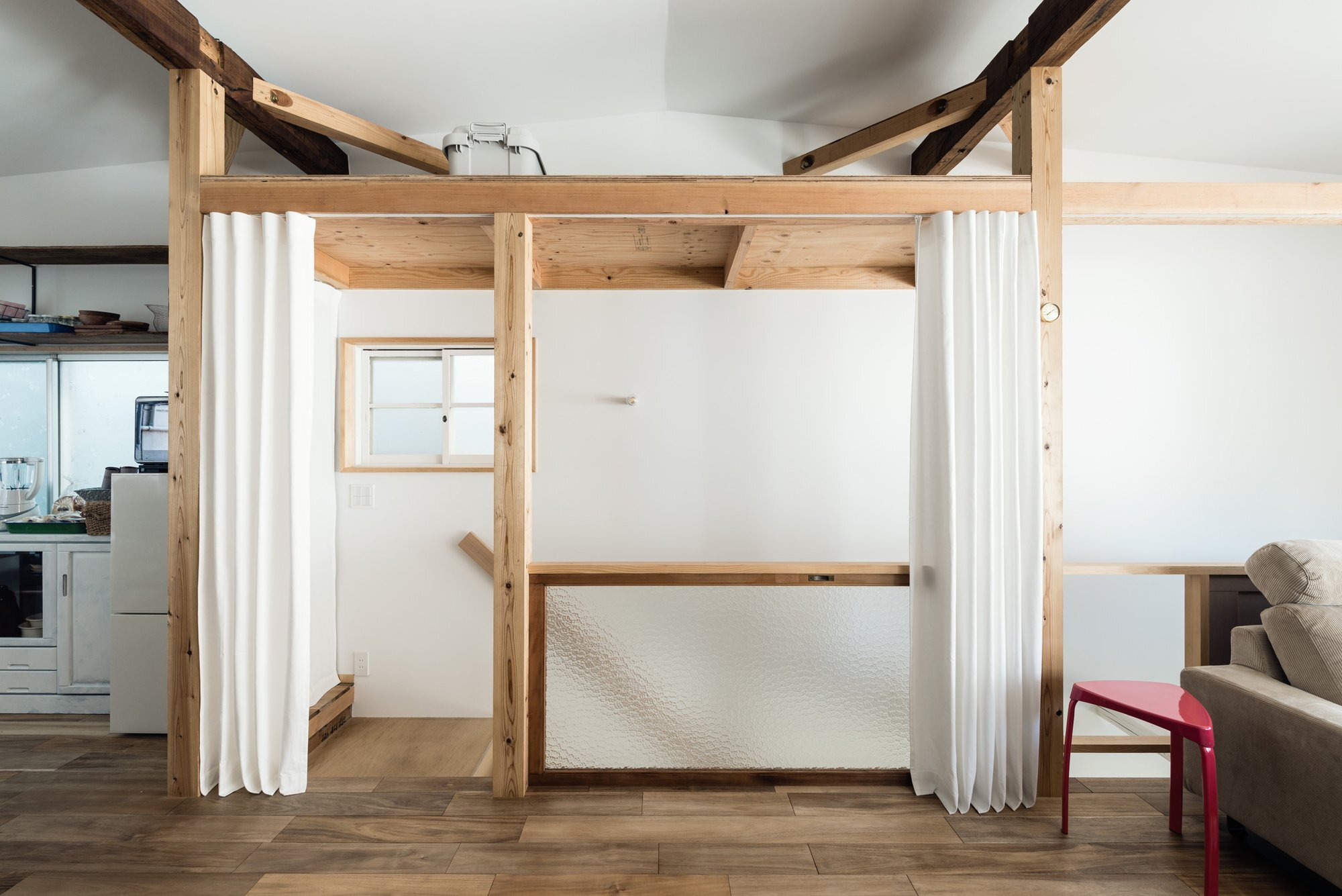 Re-Toyosaki - Small Japanese House - Coil Kazuteru Matumura Architects - Osaka Japan - Hallway - Humble Homes