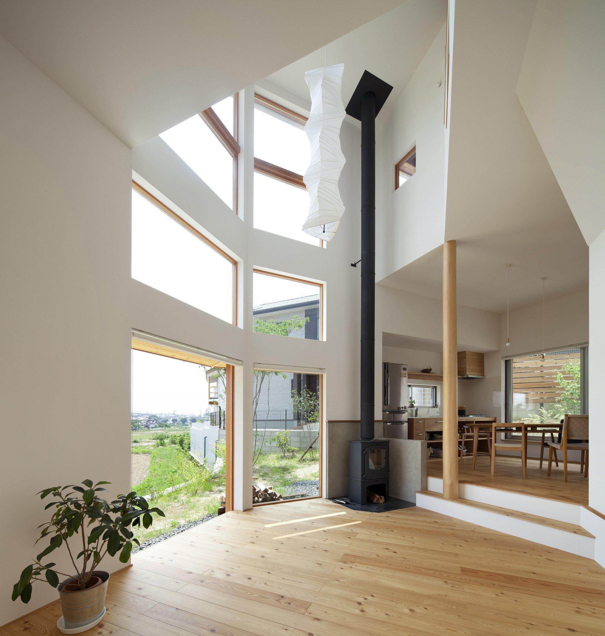 The Frontier House - Small Japanese House - Mamiya Shinichi Design Studio - Toyoake Japan - Living Area - Humble Homes