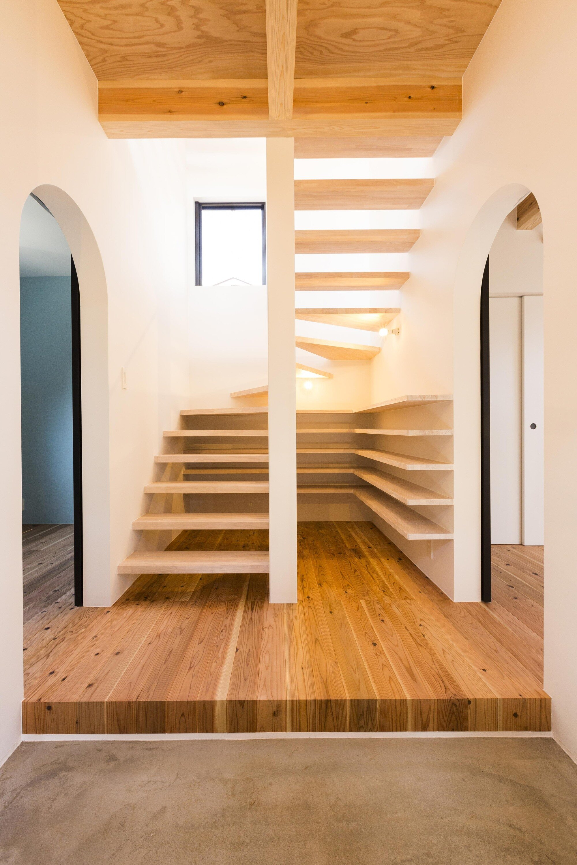 Hibarigaoka S house - Small Japanese House - Kaida Architecture Design Office - Japan - Entry Hall - Humble Homes