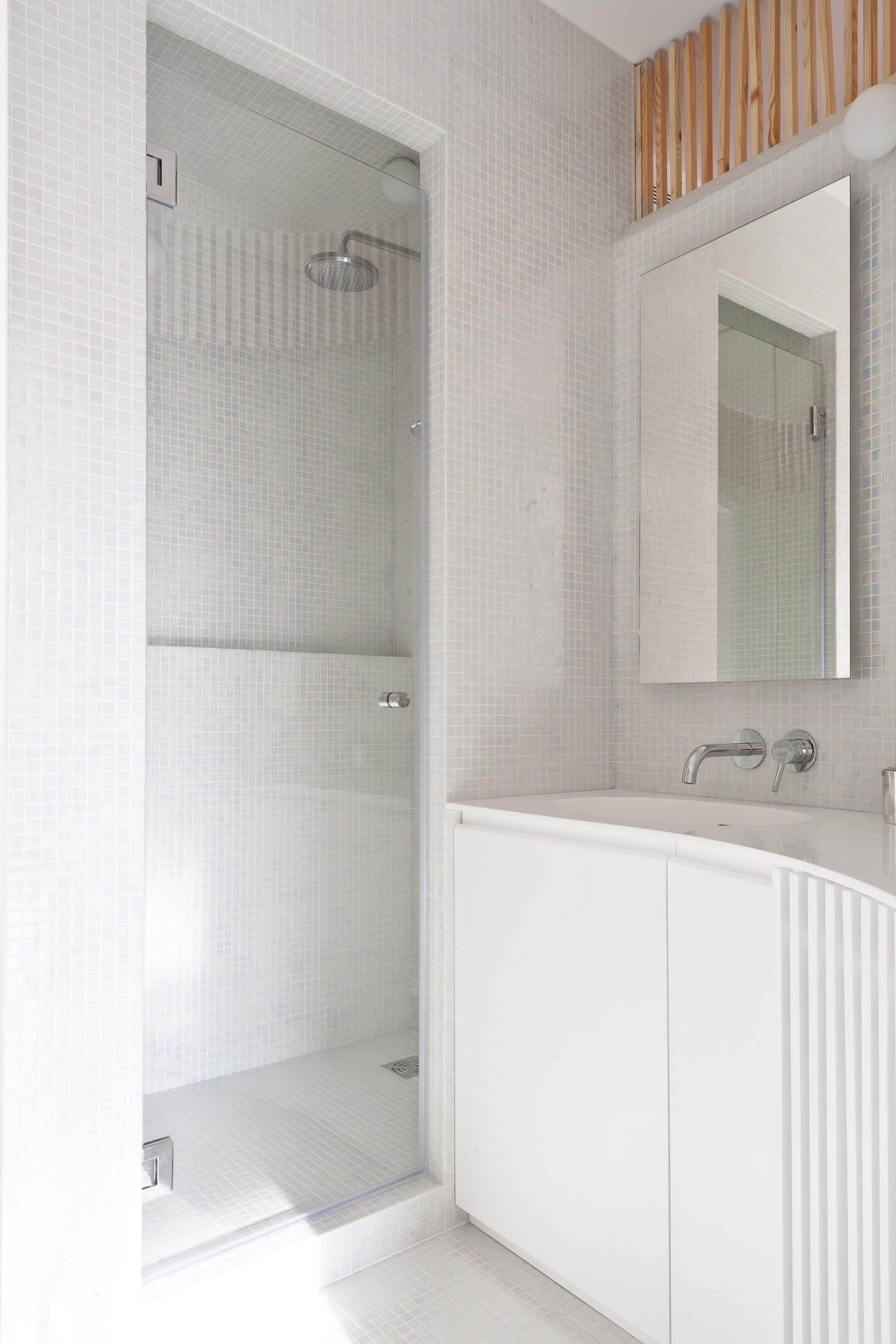 Home Renovation - Small Apartment - Julien Joly Architecture - Paris - Bathroom - Humble Homes