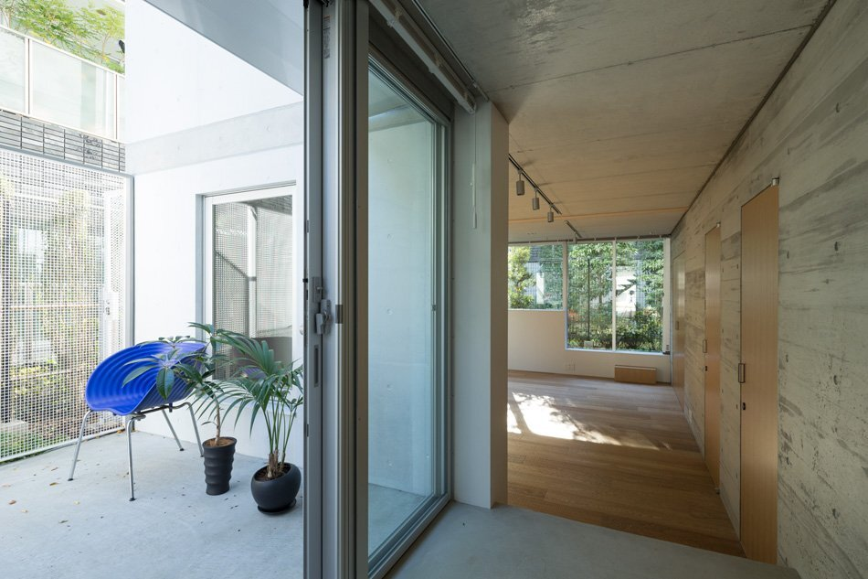 Apartment in Nishiazabu - SALHAUS - Small Apartments - Japan - Terrace - Humble Homes