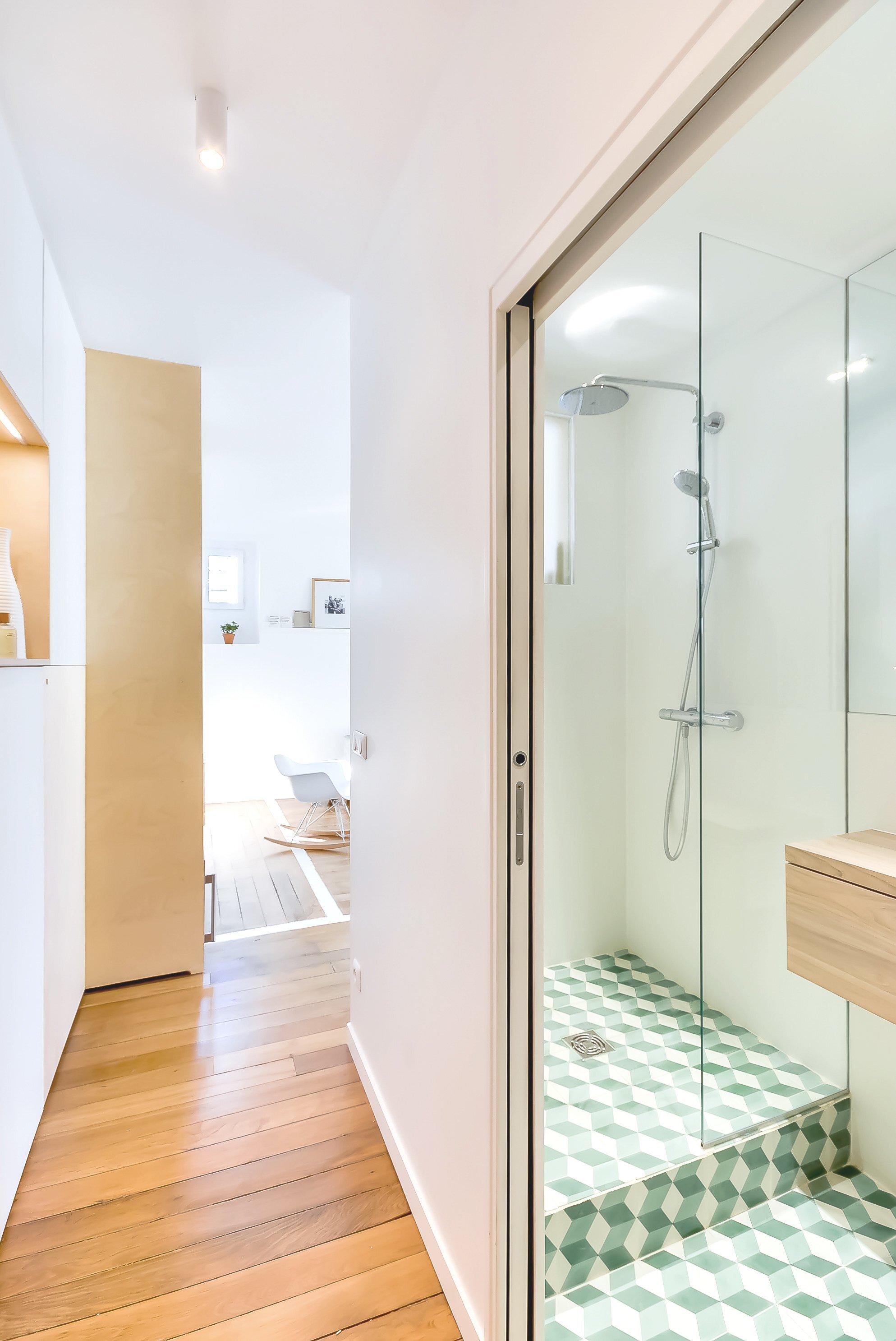 Flat in Paris - Small Apartment - Richard Guilbault - France - Bathroom - Humble Homes