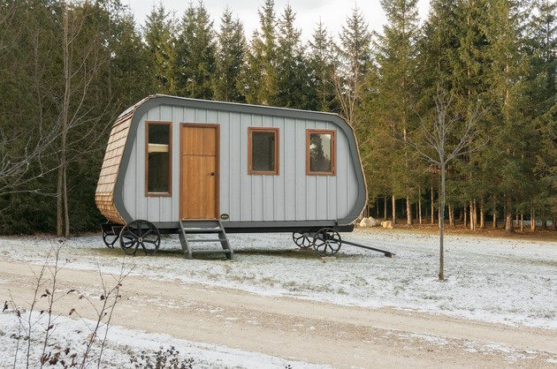 Collingwood Shepherd Hut - Tiny House - Gute - Canada - Exterior - Humble Homes