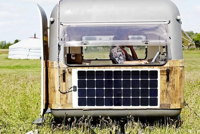 Tiny Caravan - KantoorKaravaan - The Netherlands - Side - Humble Homes