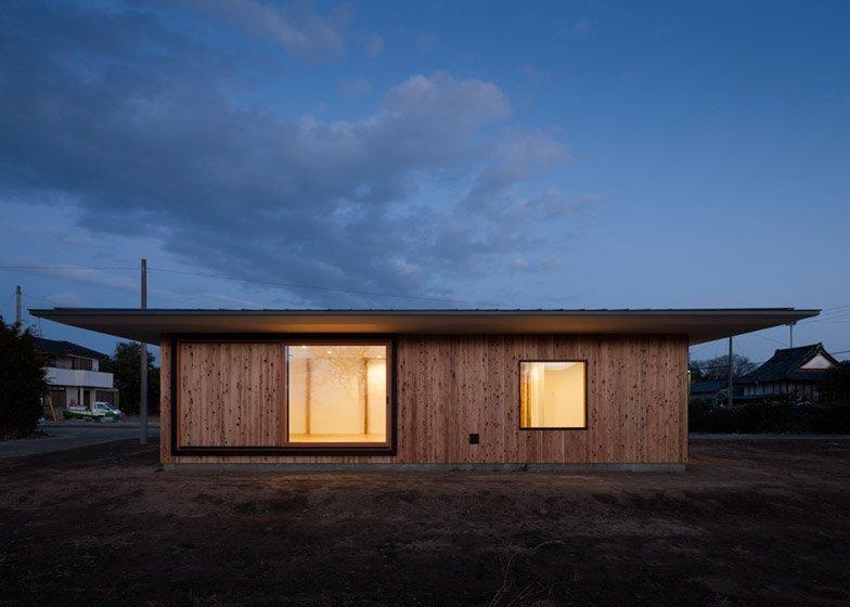 House in Fukaya - Nobuo Araki - Japan - Exterior - Humble Homes