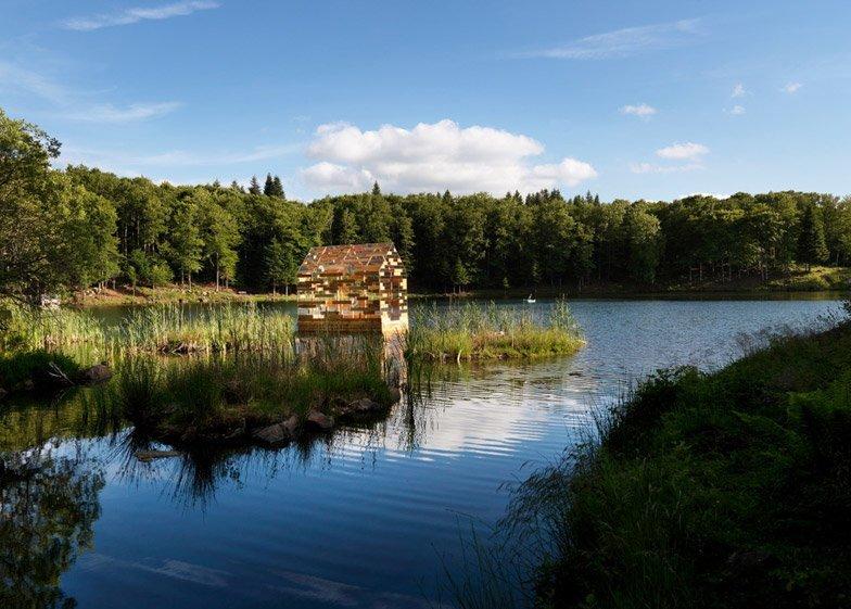 Walden Raft - Elise Morin and Florent Albinet - France - On Lake 1 - Humble Homes