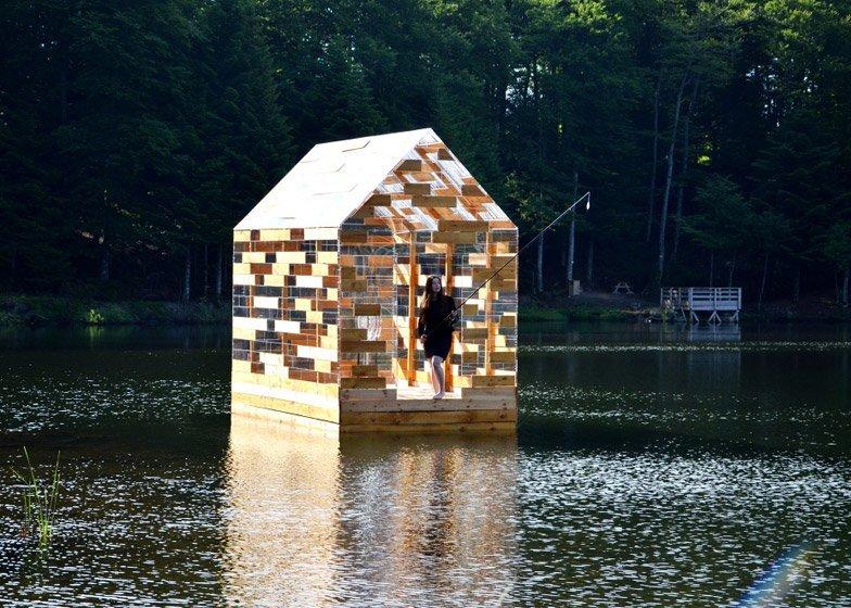 Walden Raft - Elise Morin and Florent Albinet - France - On Lake 3 - Humble Homes
