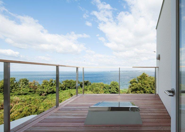Awaji Island House - IZUE - Small House - Japan - Deck - Humble Homes