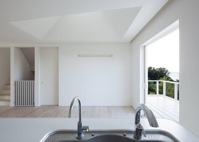 Awaji Island House - IZUE - Small House - Japan - Kitchen - Humble Homes