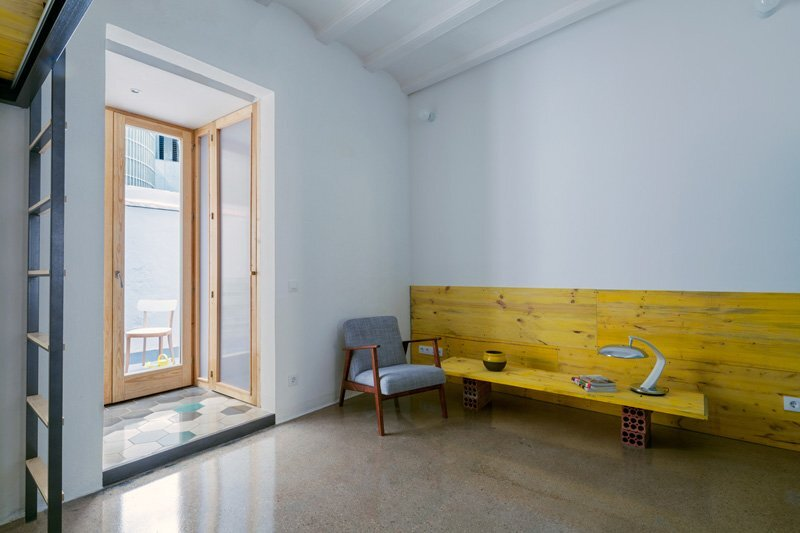 G-Roc Apartment - Nook Architects - Barcelona - Living Area - Humble Homes