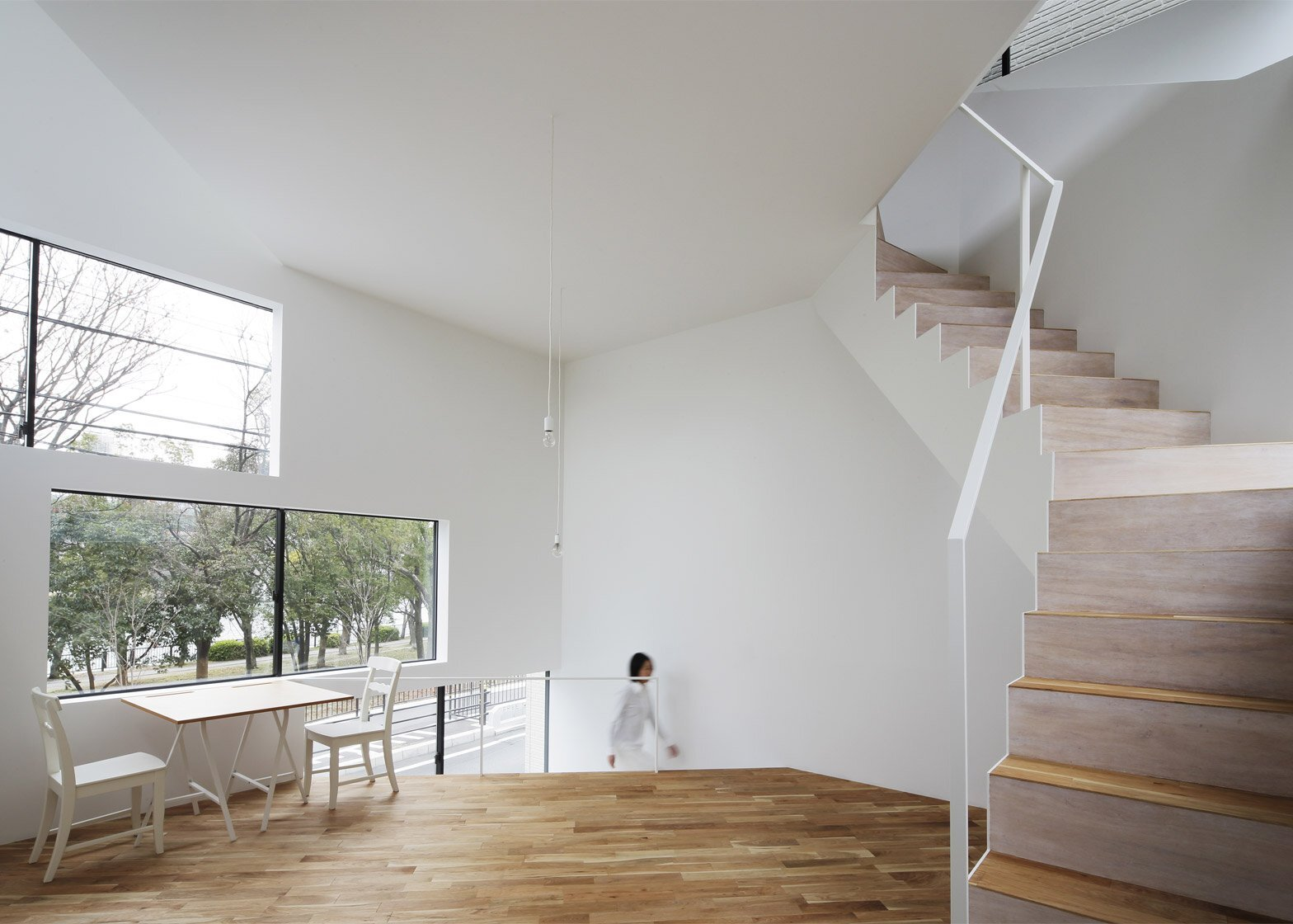 Spiral Window House - Alphaville Architects - Osaka - Dining Area - Humble Homes
