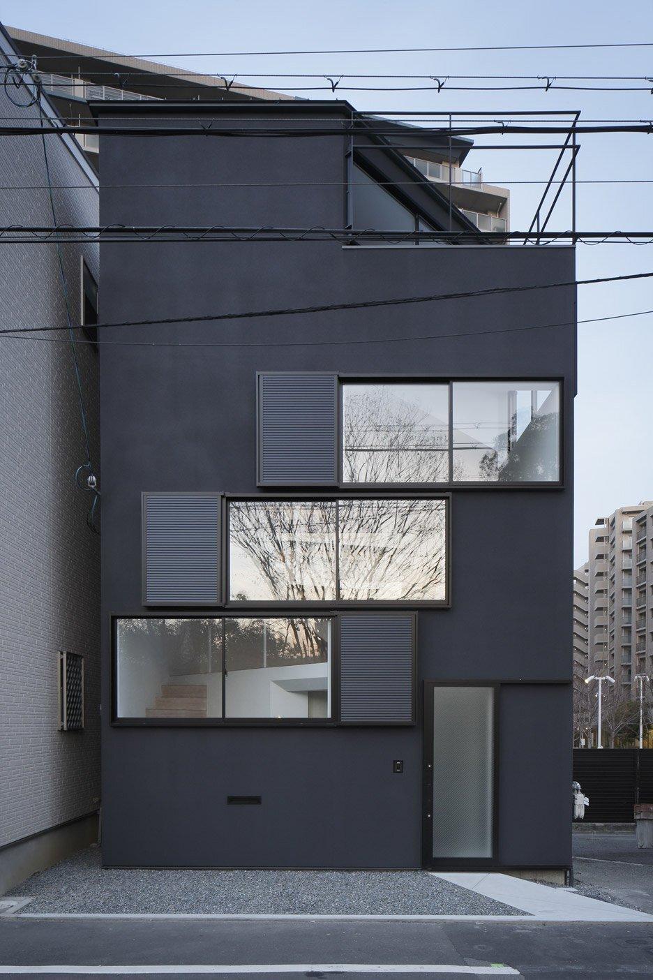 Spiral Window House - Alphaville Architects - Osaka - Exterior - Humble Homes