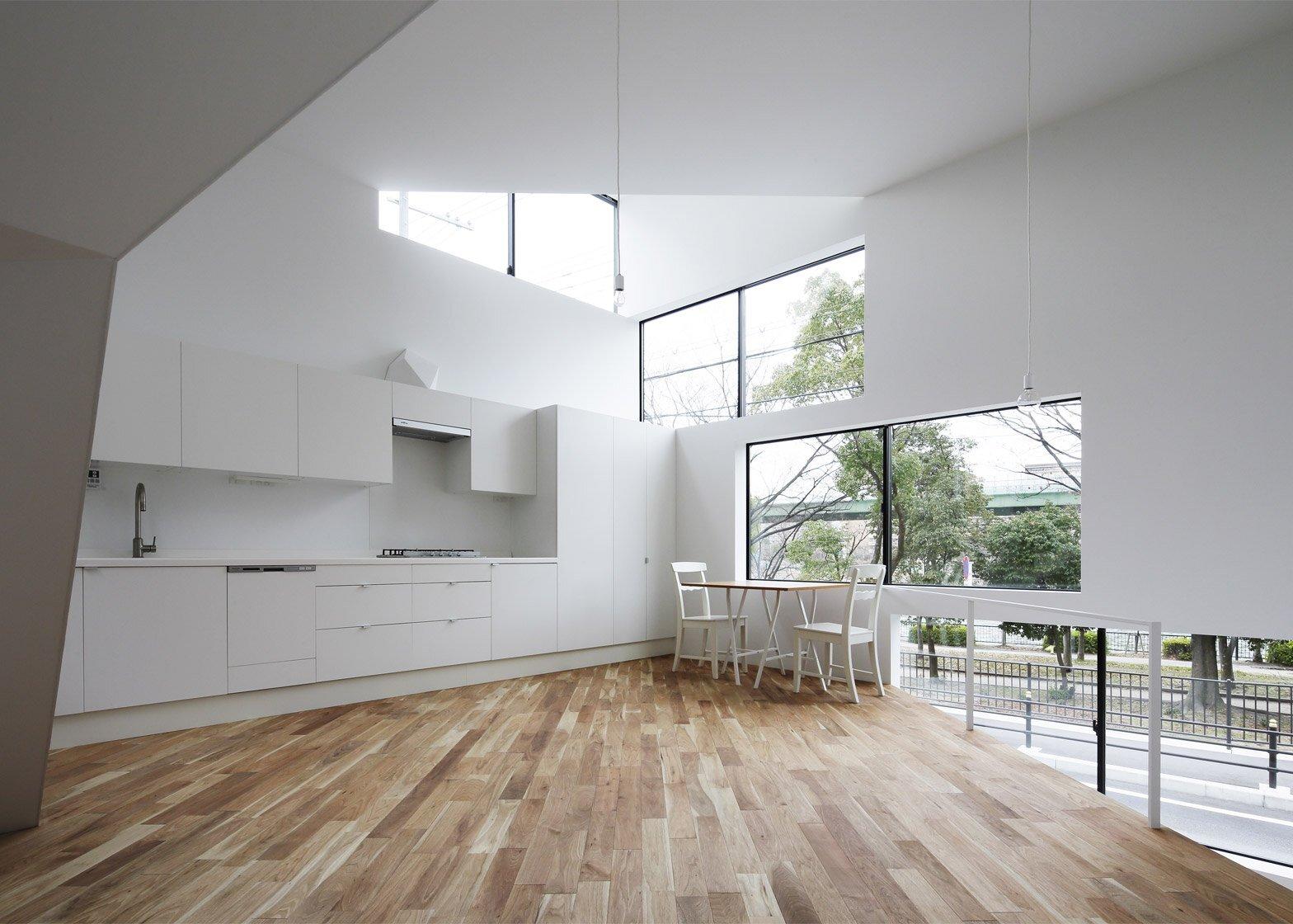 Spiral Window House - Alphaville Architects - Osaka - Kitchen - Humble Homes