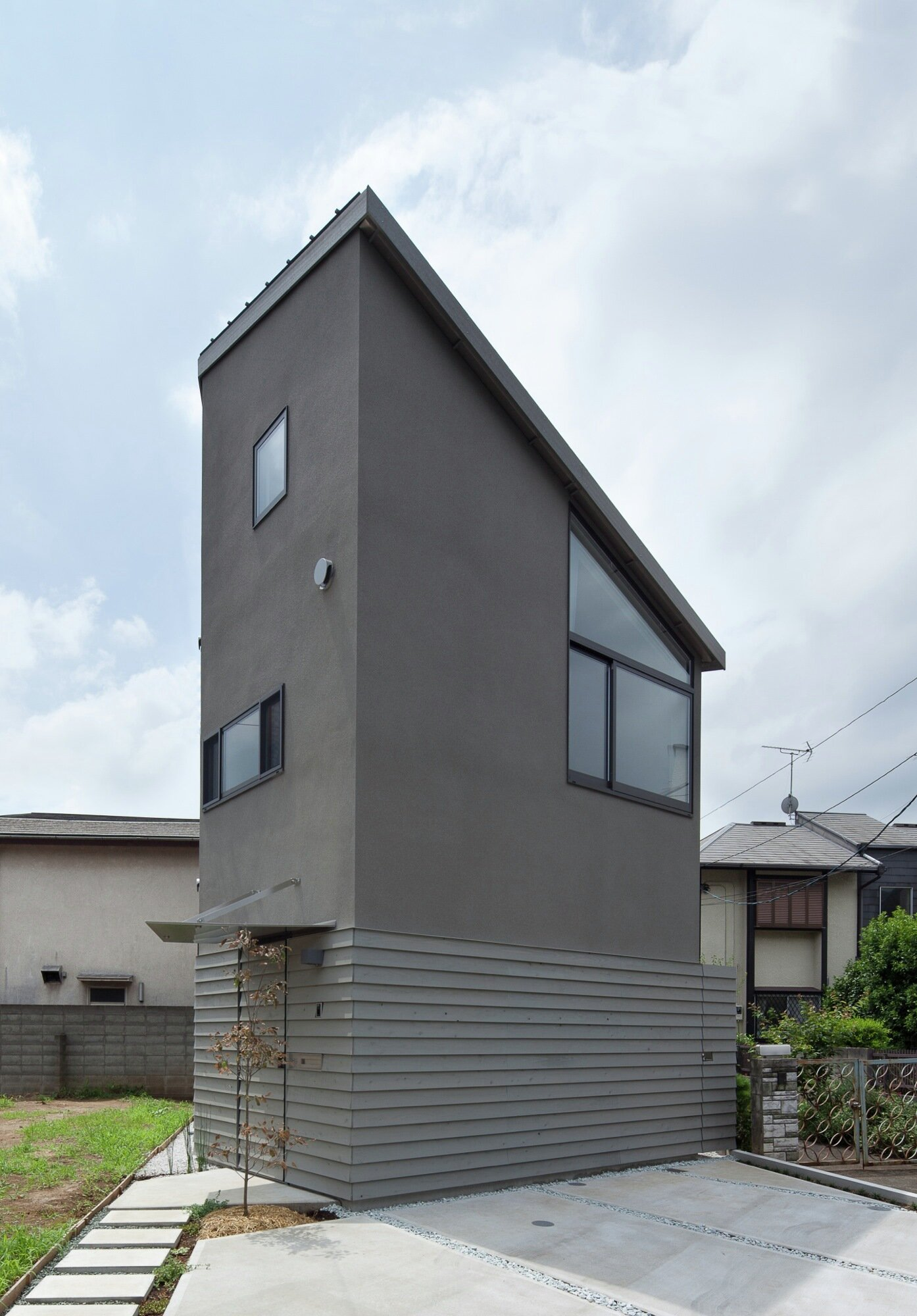 Small House with Floating Treehouse - Yuki Miyamoto Architect - Tokyo - Exterior - Humble Homes