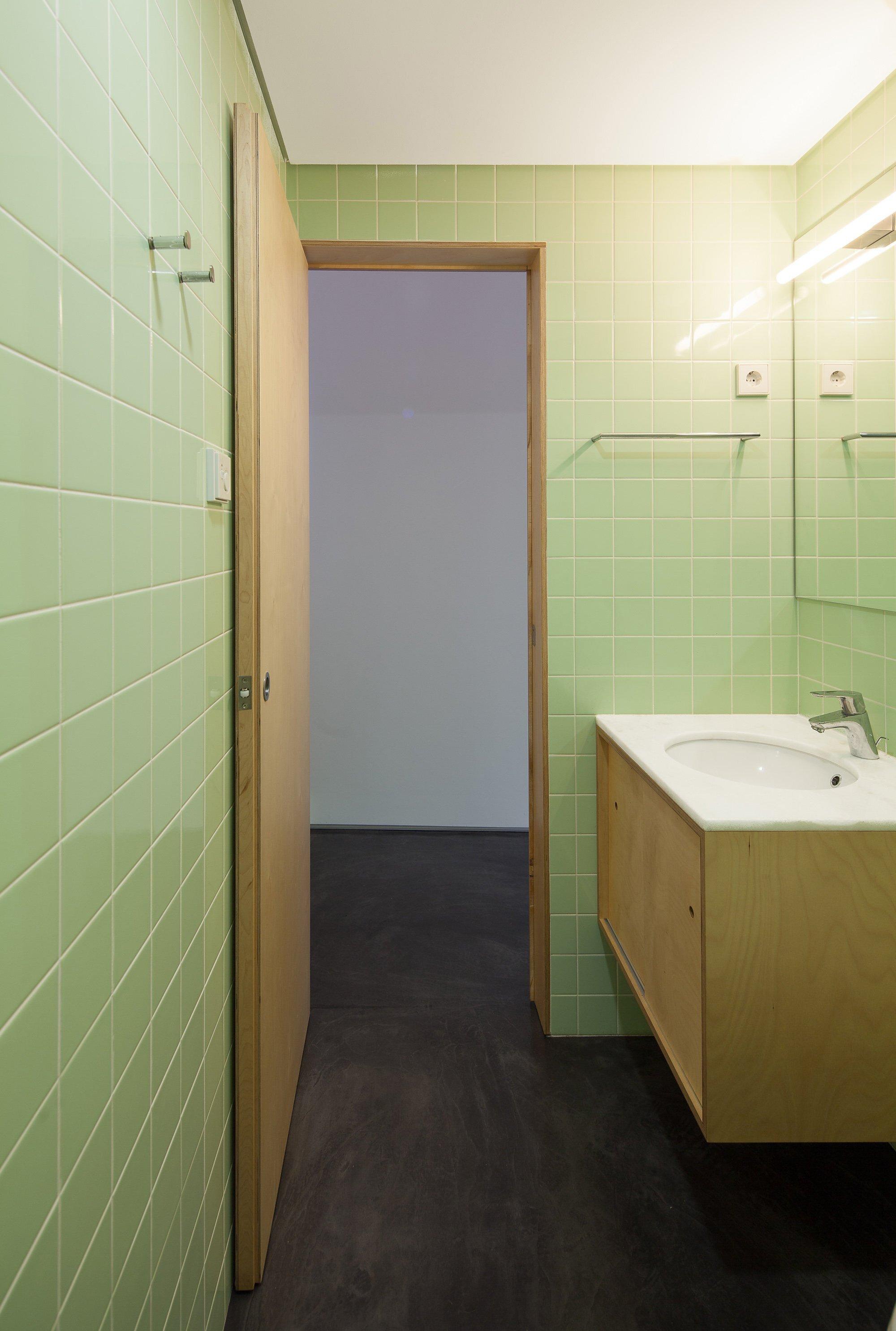 Nogueiras House - Sofia Parente + André Delgado - Portugal - Bathroom - Humble Homes