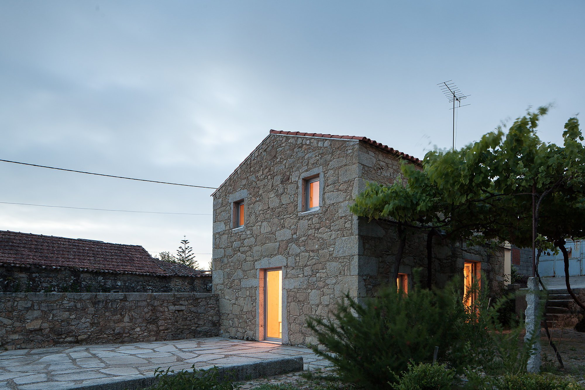 Nogueiras House - Sofia Parente + André Delgado - Portugal - Exterior - Humble Homes