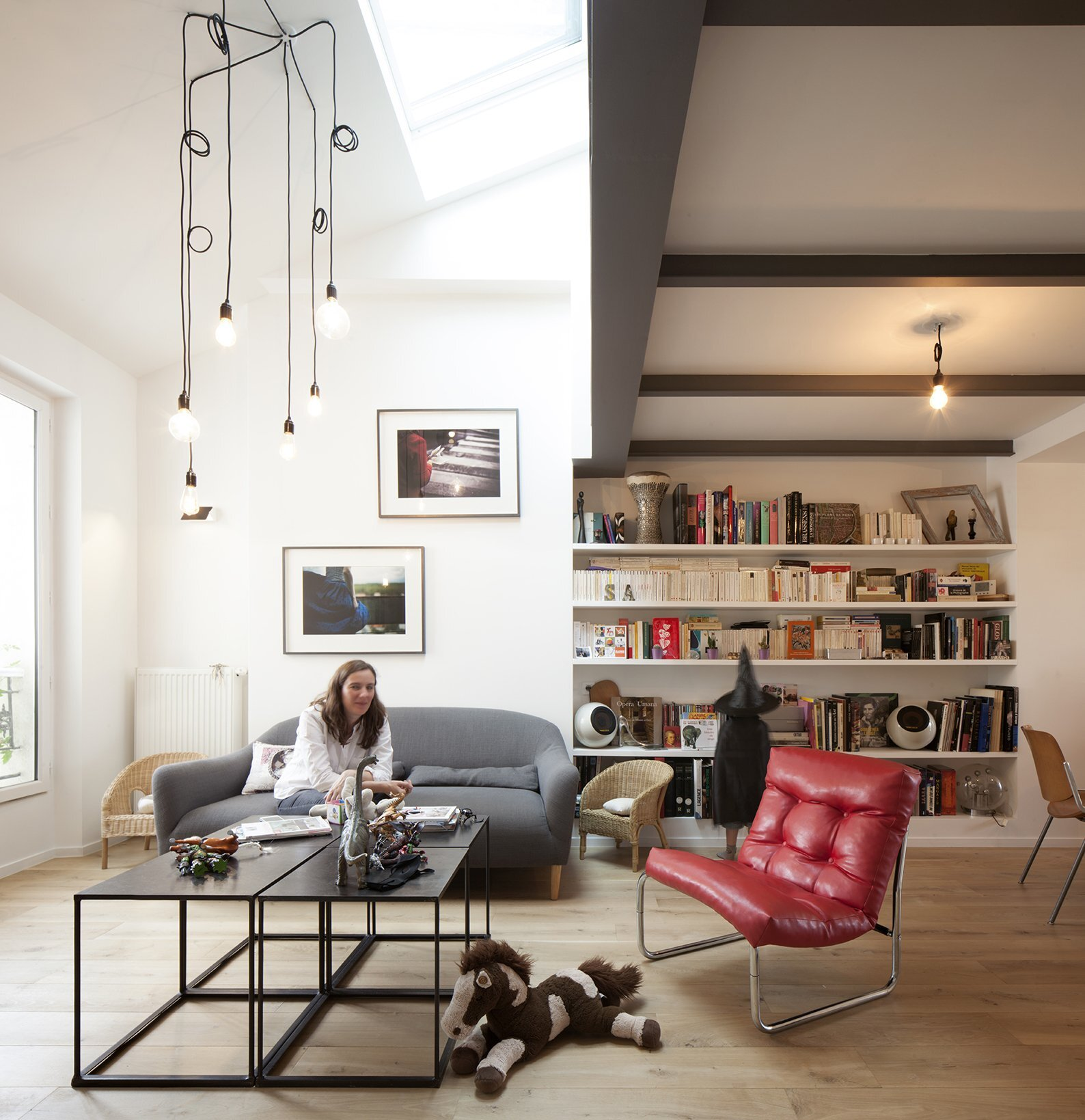 Duplex in Saint-Mande - CAIROS Architecture et Paysage - France - Living Room - Humble Homes