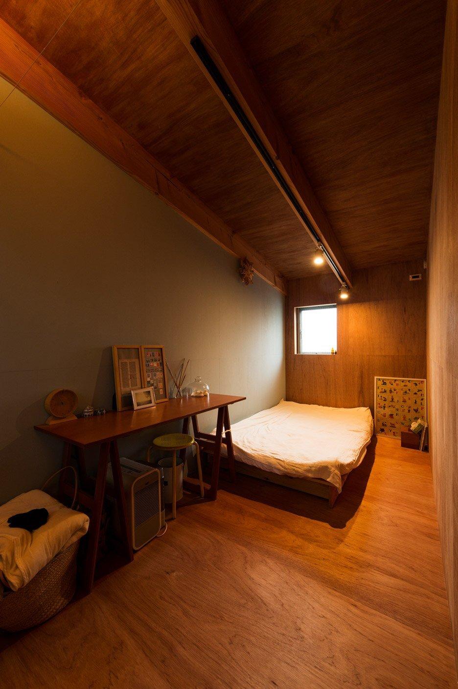 House to Catch a Tree - Takeru Shoji Architects - Japan - Bedroom - Humble Homes