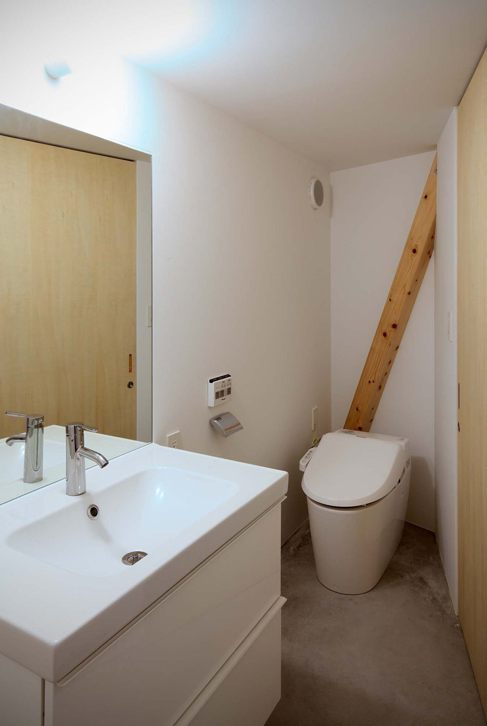 New Kyoto Town House - Alphaville - Japan - Bathroom - Humble Homes