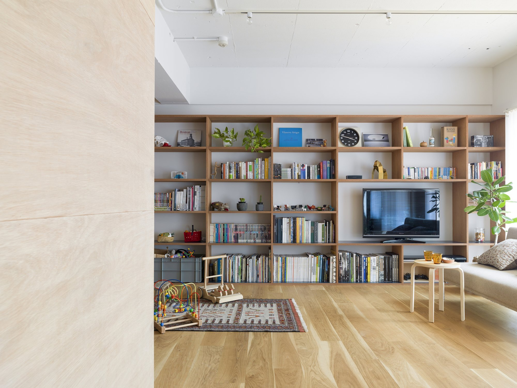 J House - Domino Architects - Japan - Living Room - Humble Homes