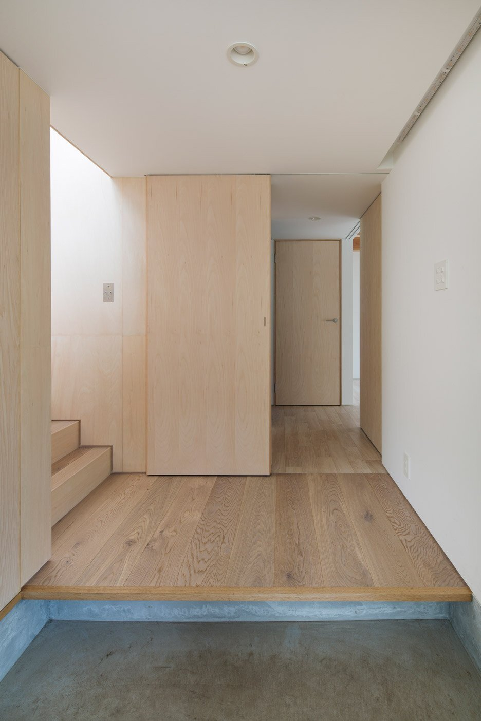 Module Grid House - Tetsuo Yamaji Architects - Kanto Japan - Entry - Humble Homes